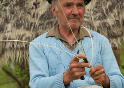 Radu_Oltean - Impletitorul de cosuri