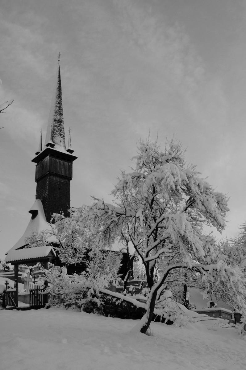 biserica comuna sisesti
