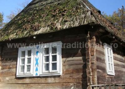 Nicolae Hauca - Casa traditionala - Carbunesti (Ucraina)