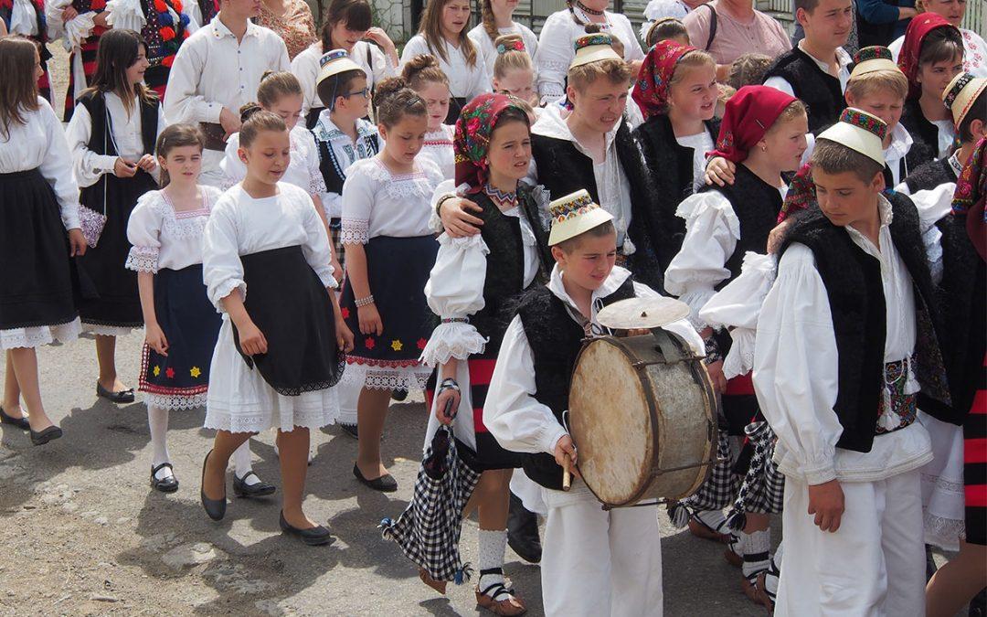 """Festivalul-concurs interjudeţean """"Floare mândră de pe Iza"""", Şieu 20-21 mai, ed. a XXVII-a"""