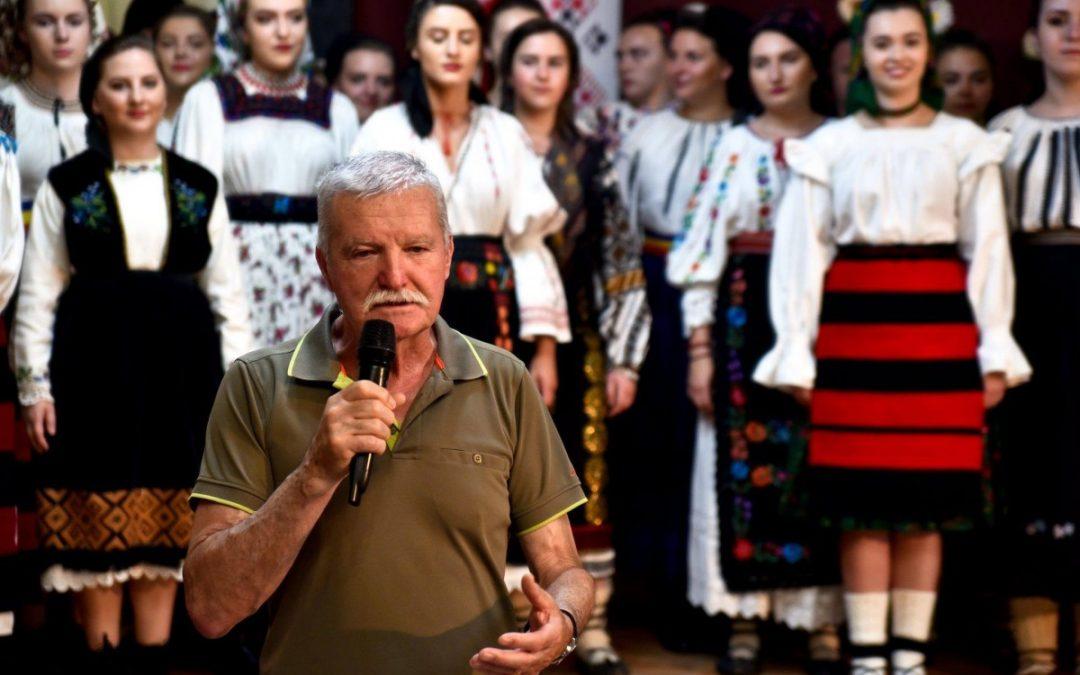 """""""RECITAL DE VARĂ"""" – Concertul Ansamblului de Muzică Tradițională Românească """"ICOANE"""" la  Centrul Cultural din Sighetu Marmatiei"""