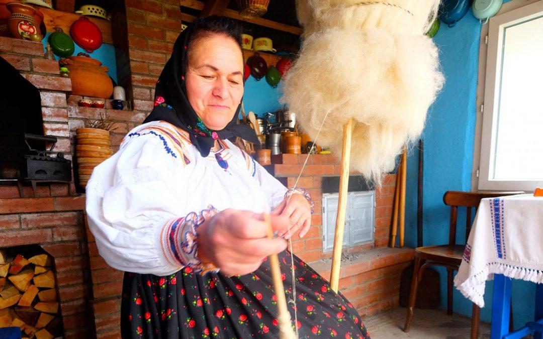 Tradiții maramureșene…în aste vremuri cu baiuri: din Săpânța, Maria Zapca – Săpânța, 11 aprilie 2020